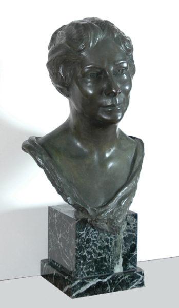"""Daingerfield, Marjorie <br>(1900-1977) <br>""""Southern Lady"""""""